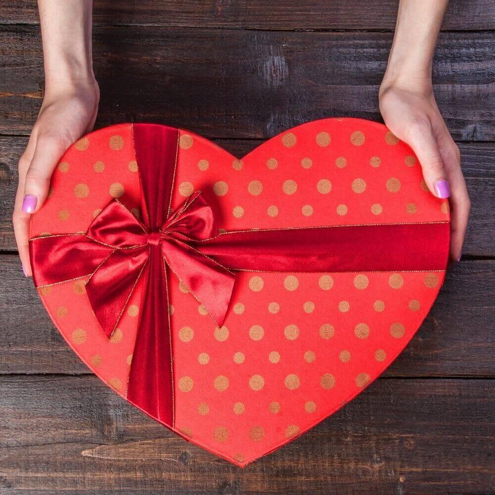 クリスマスに向けて、さりげなく彼氏が欲しがっているものを聞き出すセリフ9パターン