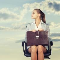 職場の男性を萌えさせる「新入社員らしいファッション」9パターン