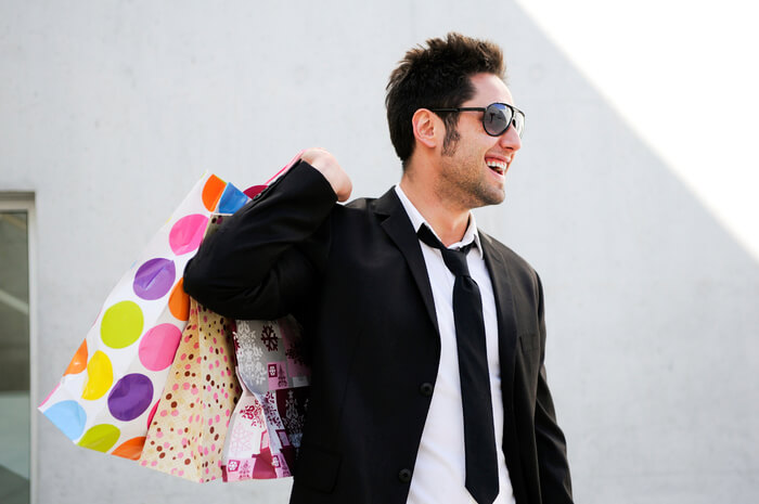 「買物 男性 画像」の画像検索結果